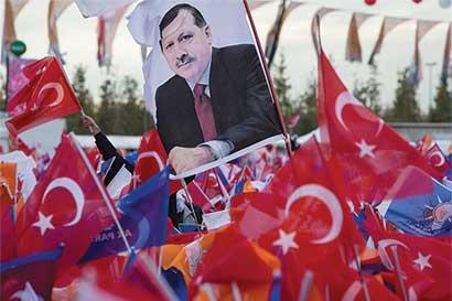 Golpe en Turquía fracasó pero inversores siguen nerviosos