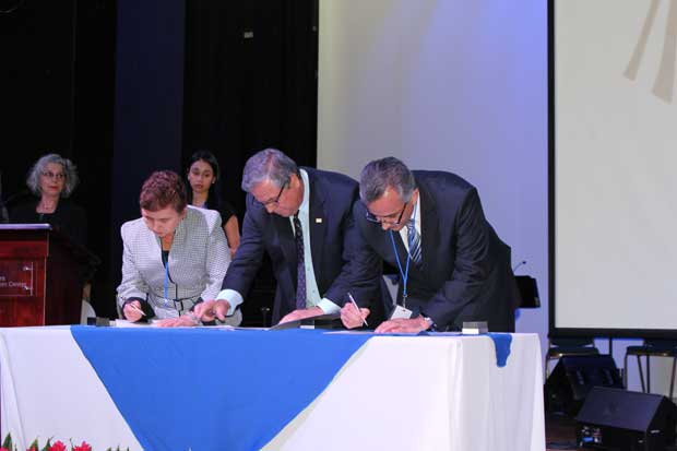 BN firmó compromiso para reducir brecha de género laboral
