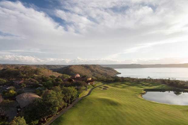 Four Seasons crea programa de golf para apoyar a estudiantes