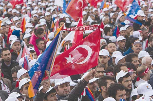 Erdogan puede malograr su victoria frente a golpistas ineptos