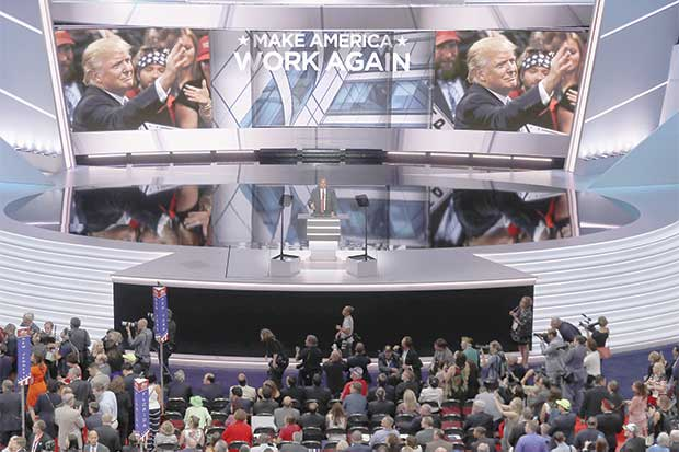 La convención aún no da a Trump un eje para la elección general