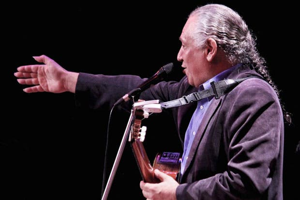 "Dionisio Cabal llega con su ""Verso a verso"""