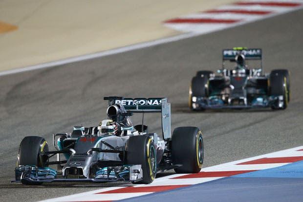 Hamilton presiona a Rosberg