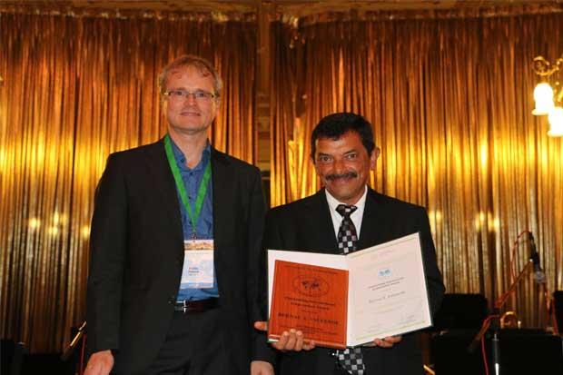 Científico costarricense recibió premio mundial