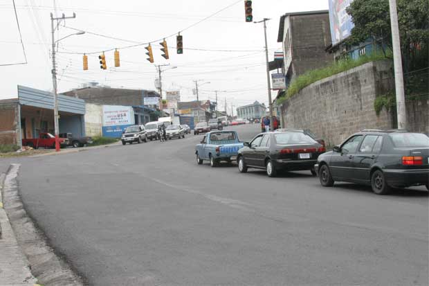Aprobados recursos para atender carreteras municipales