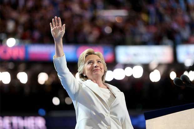 Hillary Clinton busca armar una coalición para enfrentar a Trump