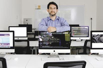 Escasez de profesionales beneficia a desarrolladores web