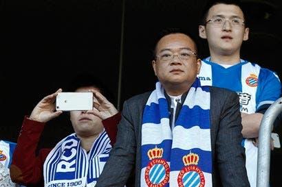 Chinos se apoderan de equipos en Europa