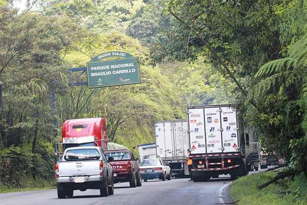 Proponen declarar emergencia nacional infraestructura vial