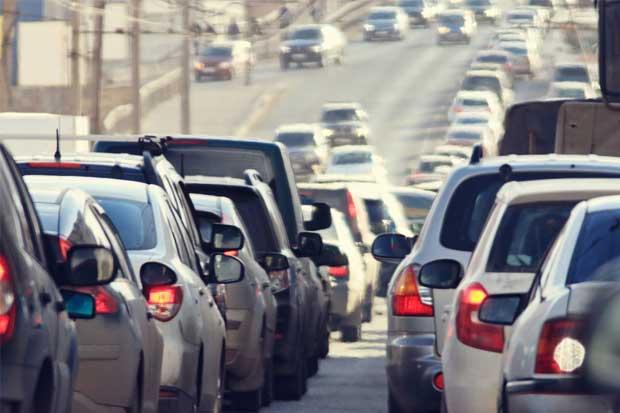 2 mil empleados públicos dejarán de viajar en hora pico