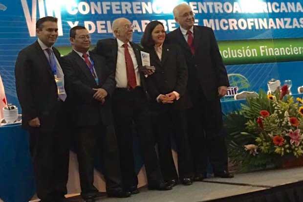 BCIE premia gestión de costarricense en microfinanzas