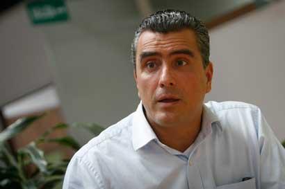 Otto Guevara propone salario único para empleados públicos