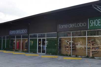 Cadena de ropa Torre del Lobo cerrará todos sus locales