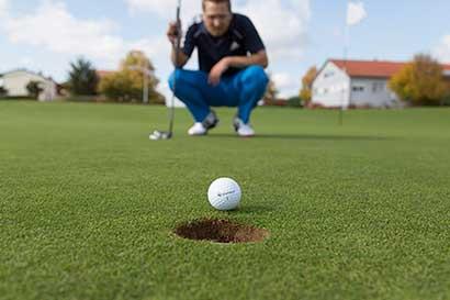 Nike y Golfsmith deben repensar estrategias para el golf