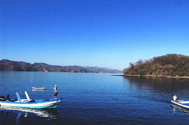 Universitarios investigarán sobre pesca deportiva gracias a becas del sector pesquero