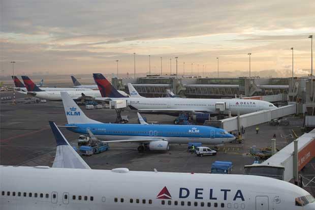 Retrasos y cancelaciones en vuelos de Delta continuarán, por fallo informático