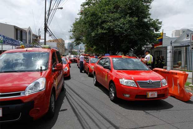 """Taxistas piden """"libre acceso de Internet, pero con regulación"""""""