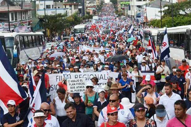 Huelga de médicos, maestros y taxistas, las que más afectan a los usuarios, según Cid Gallup