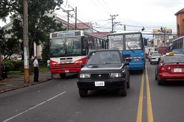 Aresep inició aplicación de nueva metodología de tarifa de autobuses