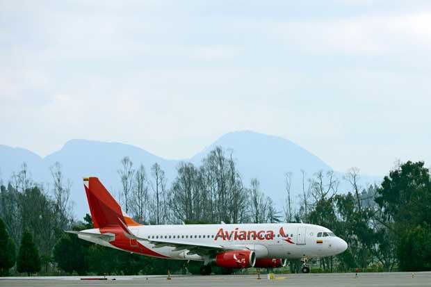 Avianca insta a sus pasajeros a tomar previsiones por paro de taxistas