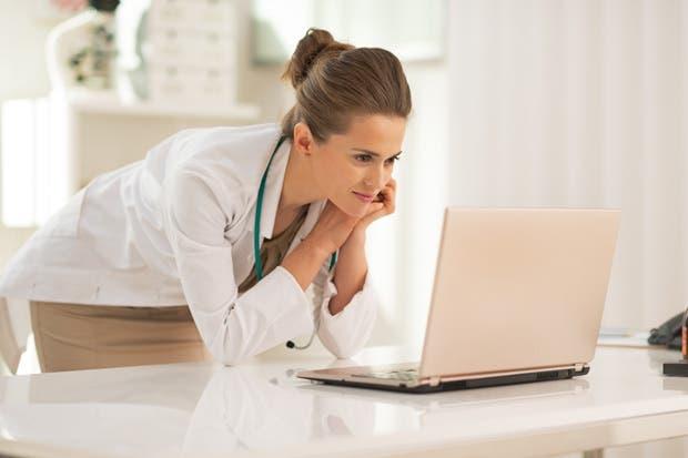 Presas y burocracia impulsan la telemedicina
