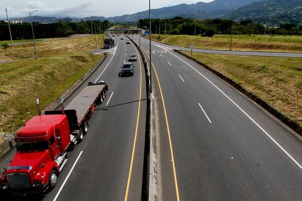 Contraloría acusa a Conavi de construir carreteras con deficiente planificación