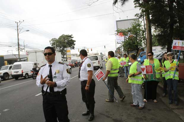 Acuerdo con policías de tránsito evita otra manifestación