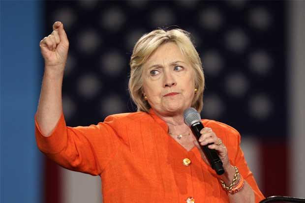 E-Mails de ayudantes de Clinton revelan enlaces entre sus fundaciones y el Estado