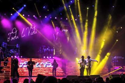 Emmanuel y Mijares cantarán en Costa Rica el 8 de octubre