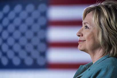 Liberales piden a Clinton que no designe gente de Wall Street