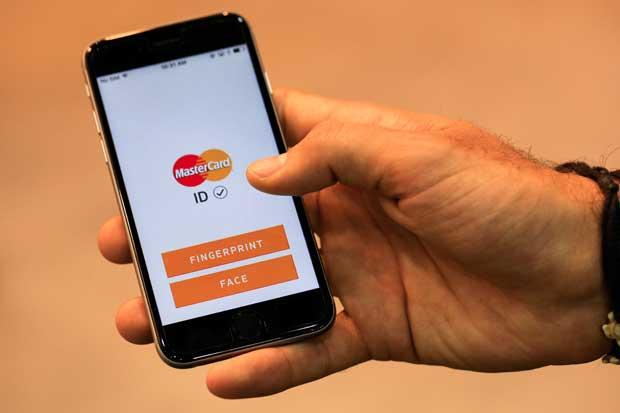 Mastercard y Microsoft se unen para mejorar pagos de comercio electrónico