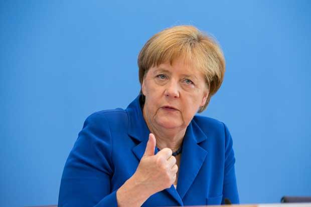 Gobierno de Merkel promete reforzar seguridad tras atentados