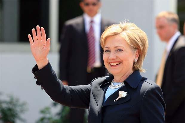 Ventaja de Clinton aumenta si desaparecen terceros