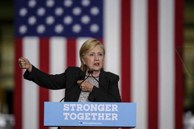 Clinton dice que plan fiscal de Trump beneficia a ricos como él