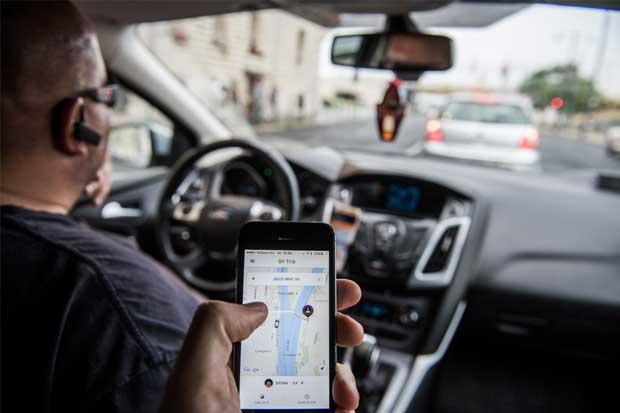 Uber y Lyft desean reemplazar a autobuses del servicio público