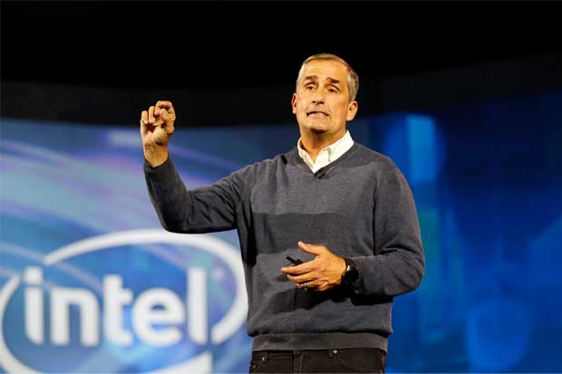 Intel licencia tecnología de ARM para impulsar la fundición de negocios