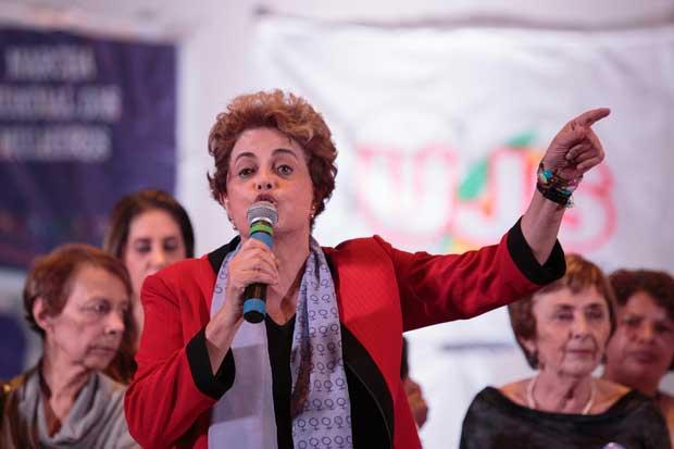 Mandataria suspendida de Brasil impulsaría plebiscito