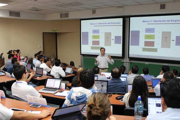 Evento sobre habilidades gerenciales reunió a estudiantes de Incae en la región