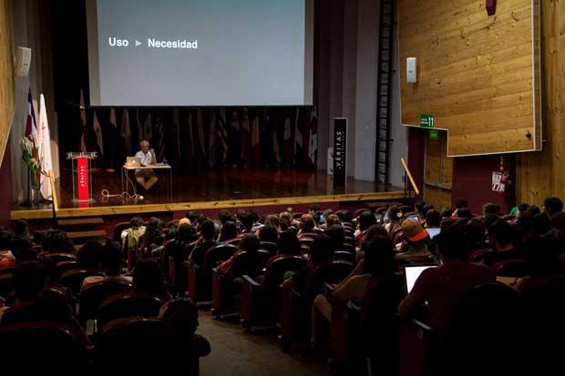 Diseñadores y arquitectos podrán participar de ferias internacionales gracias a alianza