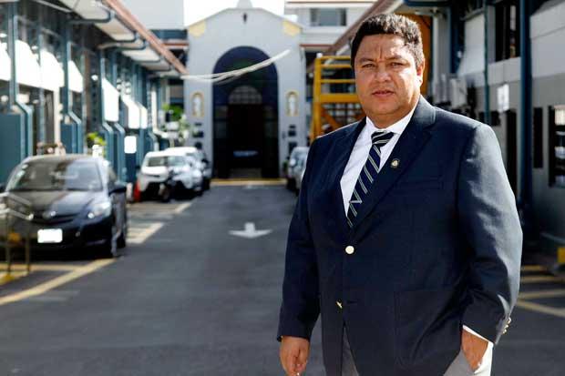 MOPT investigará desprendimiento de loza en paso a desnivel de Alajuelita