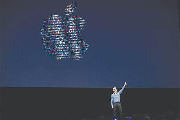 Jefe de Apple obtuvo $373 millones en acciones en cinco años