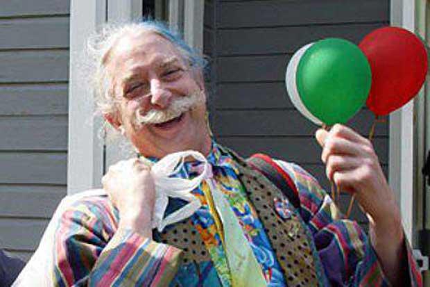 Médico que usa risa y el humor para sanar estará en UCR
