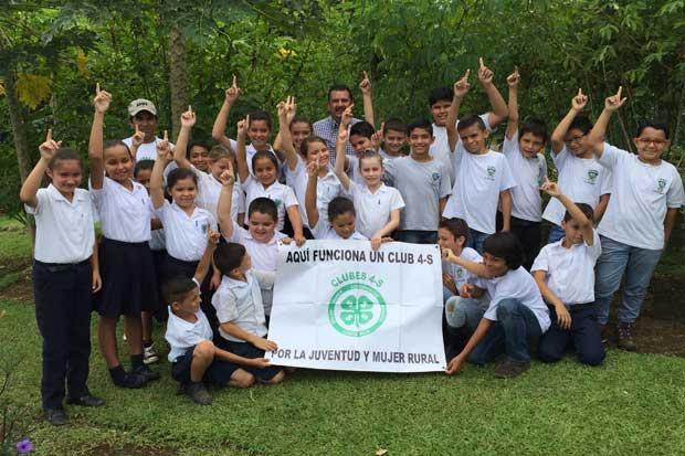 120 niños se capacitaron sobre cambio climático