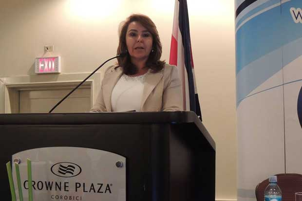 Laura Bonilla es reelecta presidenta de Cadexco