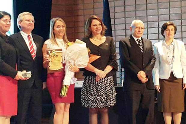Otorgan premio a científica nacional y al TEC
