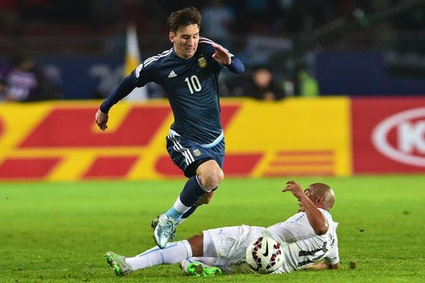 Uruguay quiere arruinar bienvenida de Messi