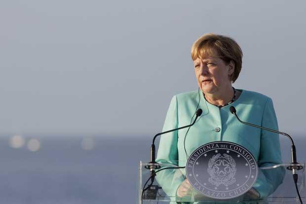 Merkel luchará por política de asilo tras derrota en las urnas