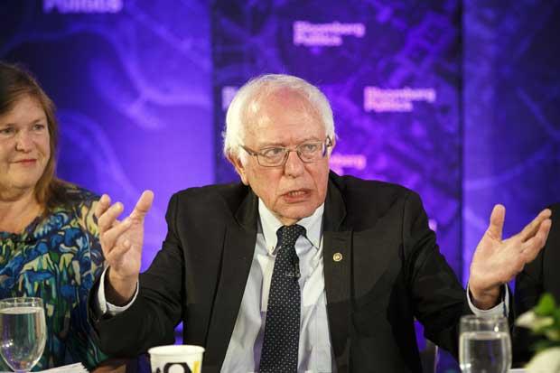 Sanders lanza grupo activista, críticas por su estructura