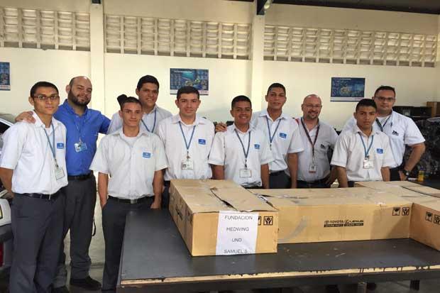 Donación de repuestos automotrices impulsa estudio de 120 estudiantes