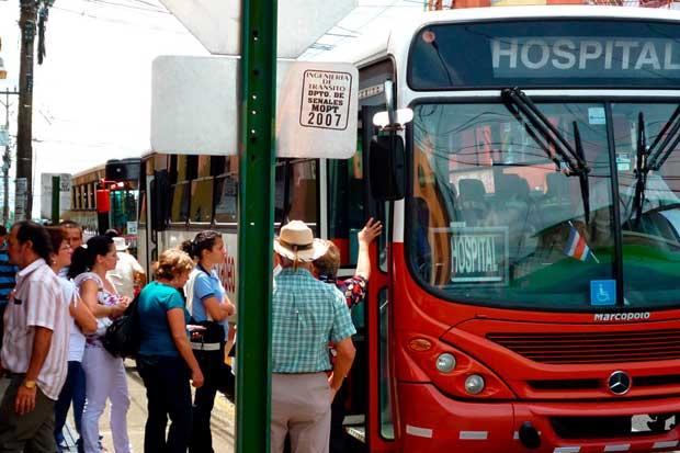 TEC propone crear centros de servicios para transporte público
